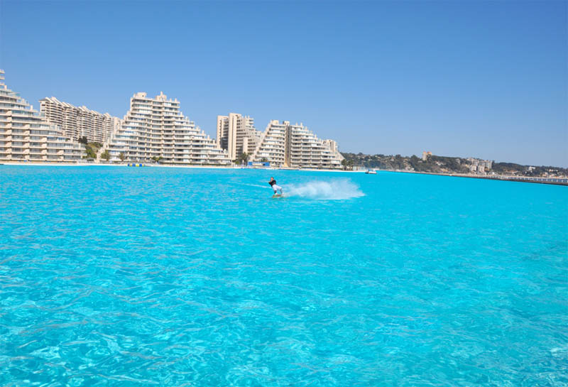 Worlds largest swimming pool 1