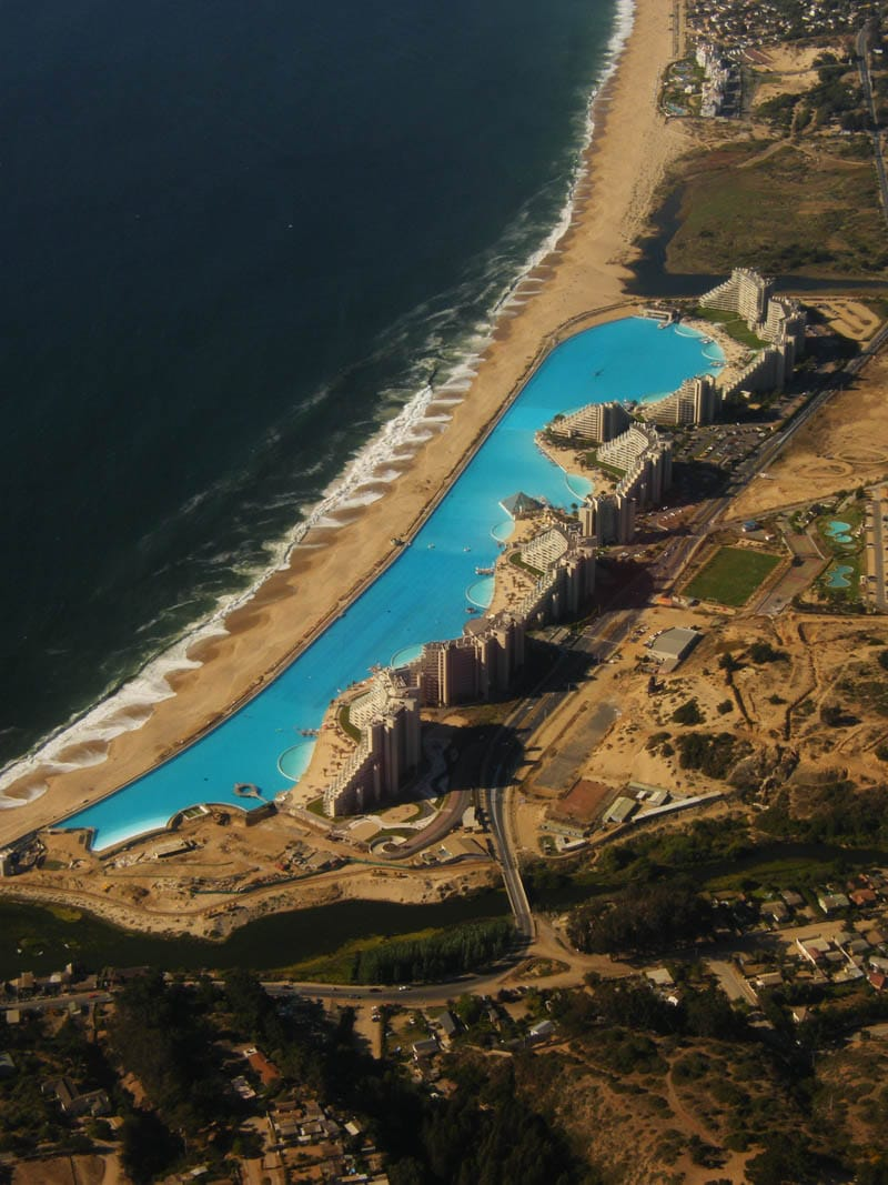 Worlds largest swimming pool 10