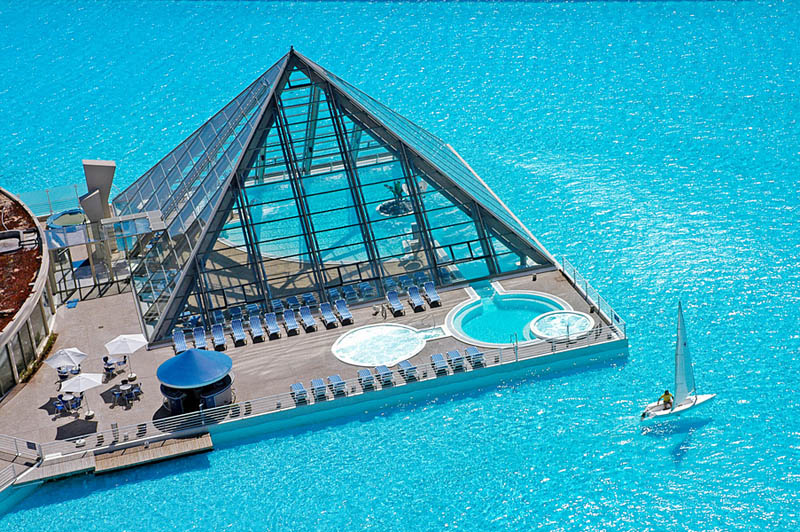 Worlds largest swimming pool 2