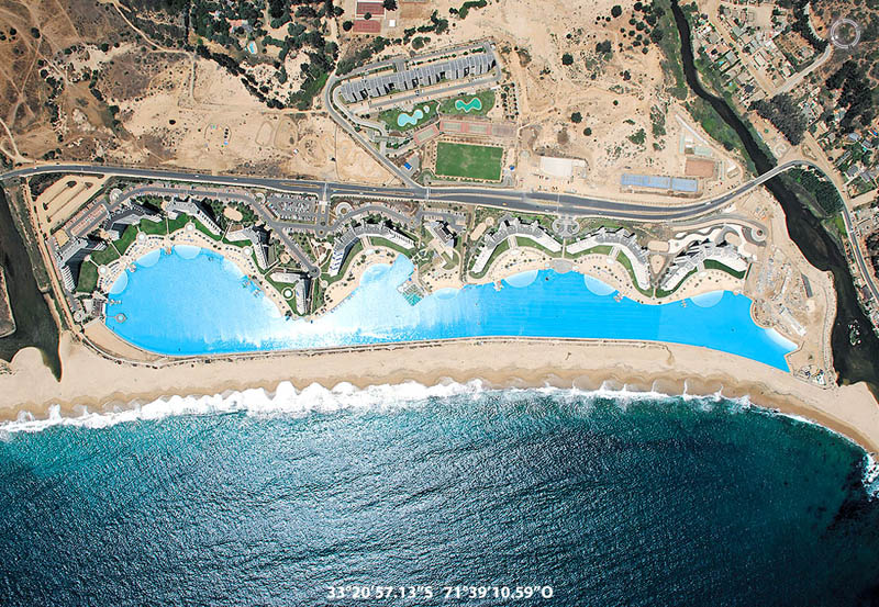 Worlds largest swimming pool 9