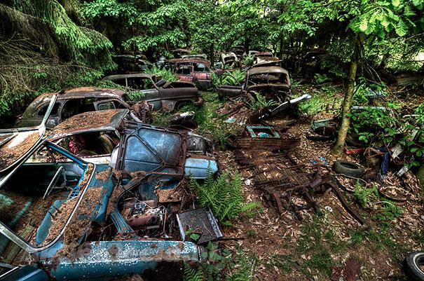 Chatillon car graveyard abandoned cars cemetery belgium 11
