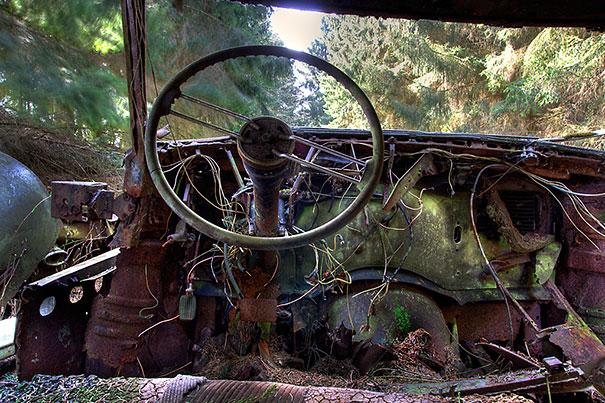 Chatillon car graveyard abandoned cars cemetery belgium 8