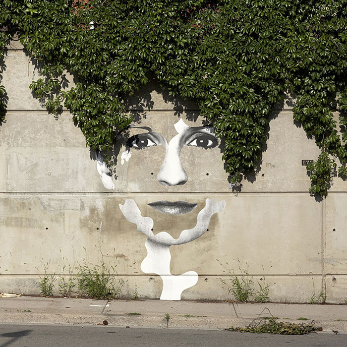 Street art interacts with nature 30