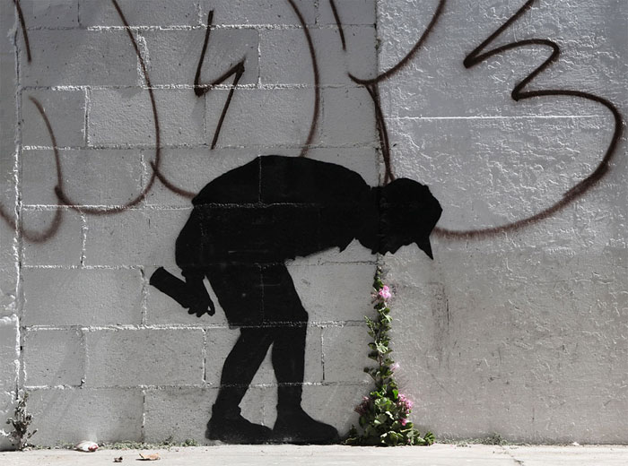 Street art interacts with nature 4