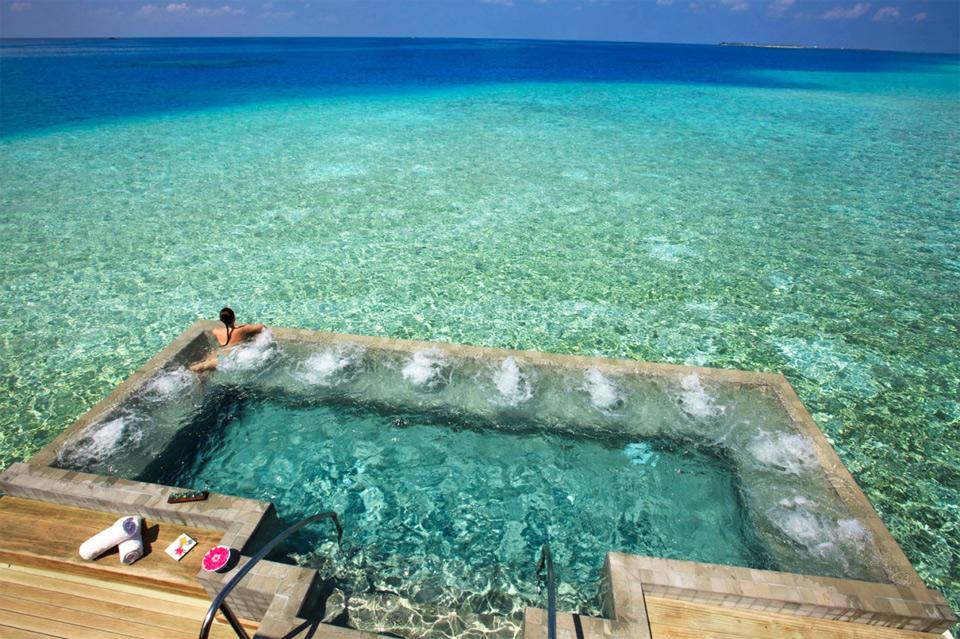 Velassaru maldives private pool