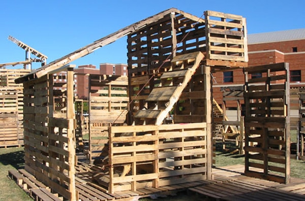 Pallet house10