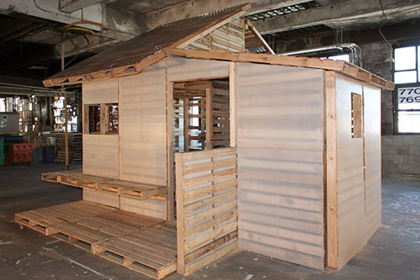 Pallet house41