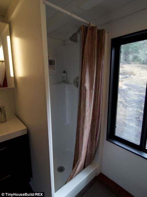 tiny-house-cabin15