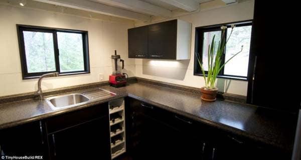 tiny-house-cabin8
