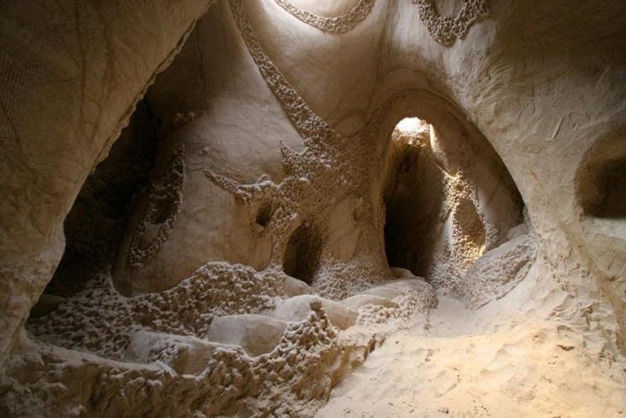 Artiste grotte 13