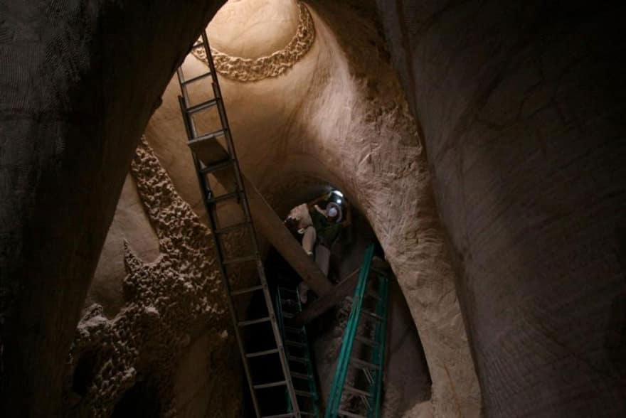 Artiste grotte 16