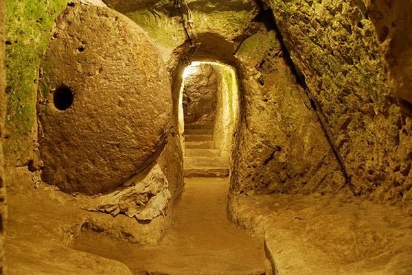 Cite souterraine 7