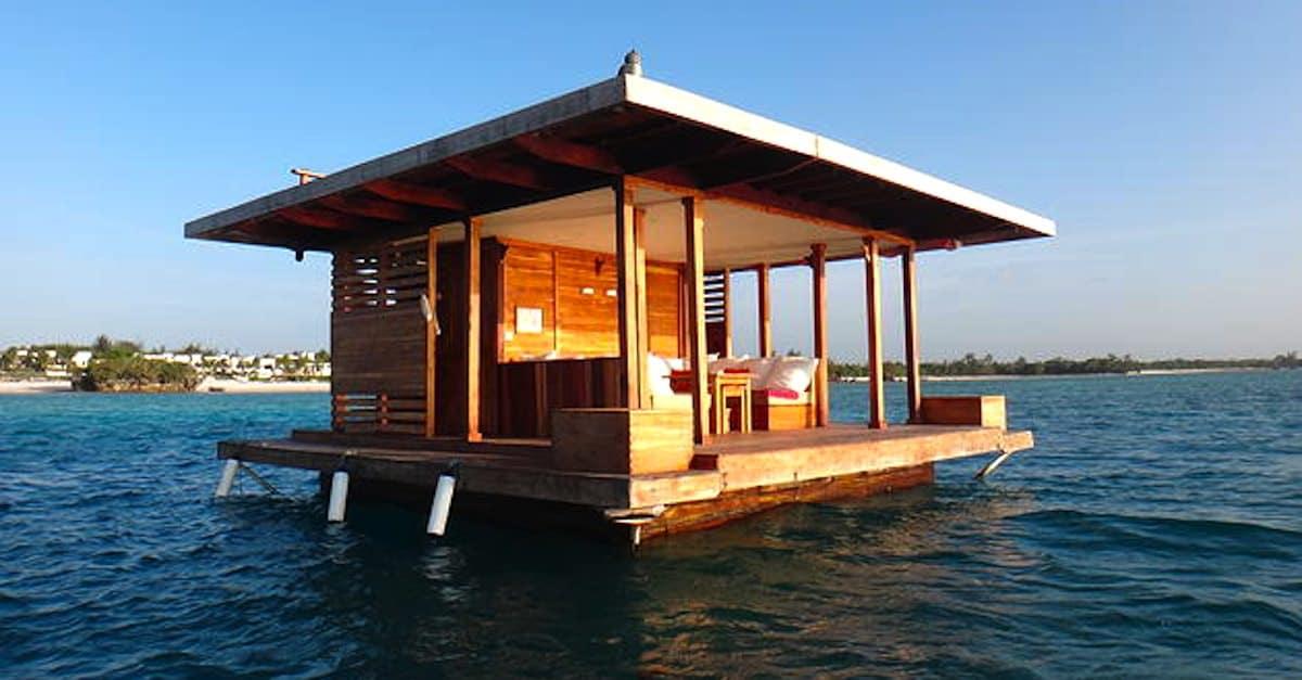 lorsque j ai d couvert ce qu ils ont construit sous cette maison flottante j ai hallucin. Black Bedroom Furniture Sets. Home Design Ideas