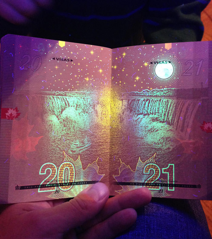 Passeport canadien 11