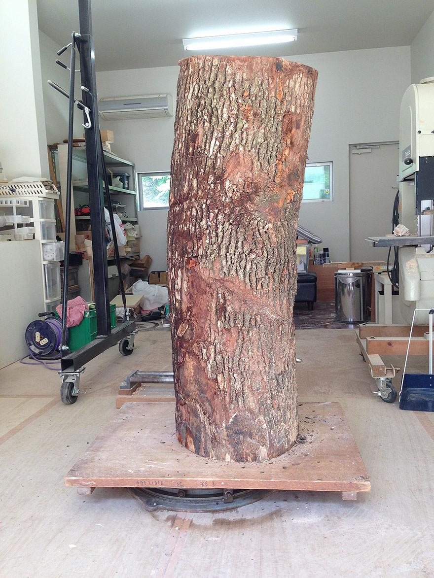 Ce sculpteur japonais nous montre comment il transforme le bois en statues tonnantes et c 39 est - Assemblage bois japonais ...