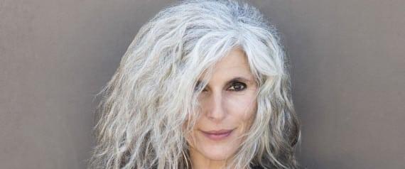 Cheveux gris a la mode 1