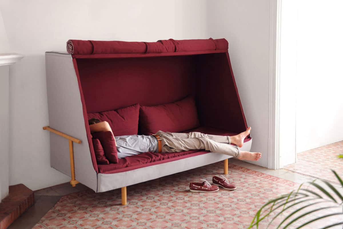 dormir devant la tele 5