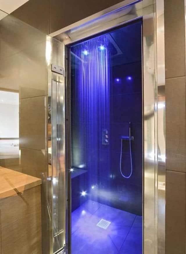 12 des douches les plus luxueuses au monde. Black Bedroom Furniture Sets. Home Design Ideas