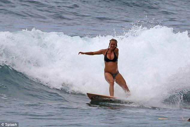 Surfeuse enceinte 2