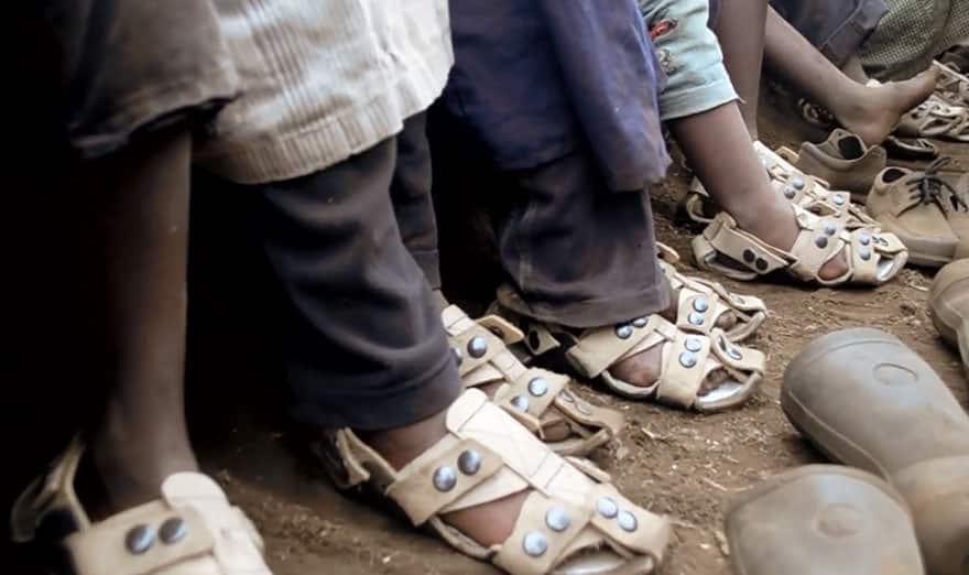 Chaussures qui poussent 3