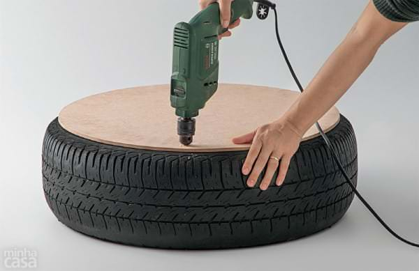 il ram ne chez lui un vieux pneu ce qu 39 il en fait c 39 est magnifique. Black Bedroom Furniture Sets. Home Design Ideas
