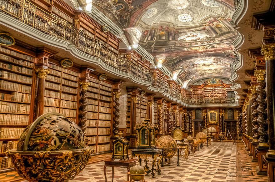 La bibliothèque Klementinum