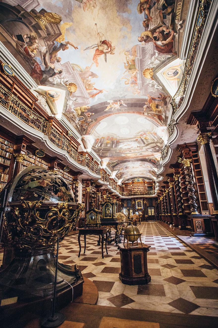 La bibliothèque Klementinum 2