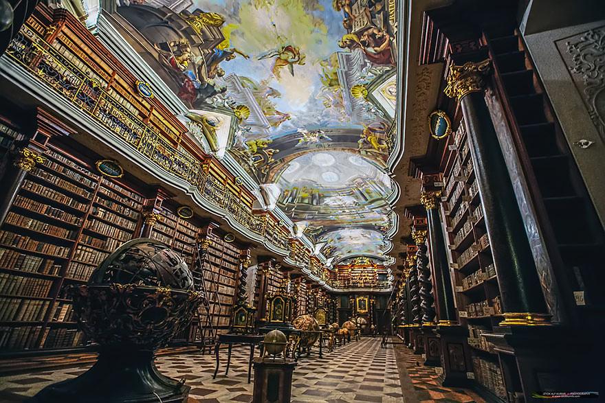 La bibliothèque Klementinum 7
