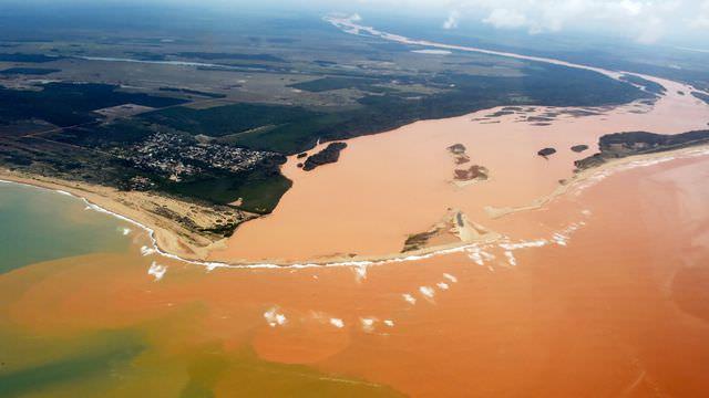 120915-la-pire-catastrophe-humanitaire-et-environnementale-1