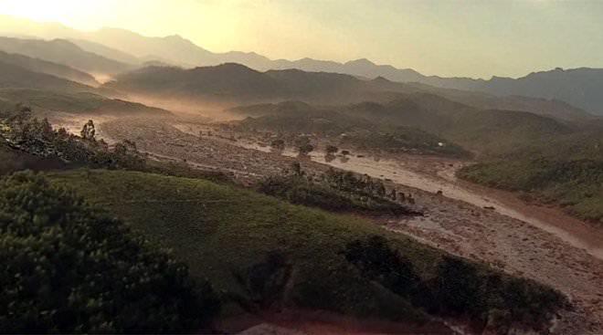 120915-la-pire-catastrophe-humanitaire-et-environnementale-4
