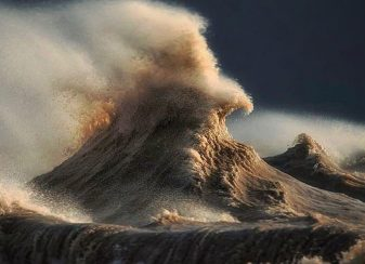 120915 liquid mountains of lake erie featured