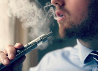 121015 chemical flavorings e cigarettes lung disease featured