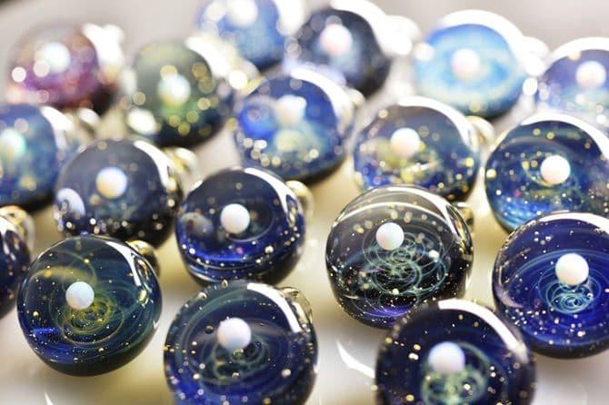 123115-universe-glass-pendants-3
