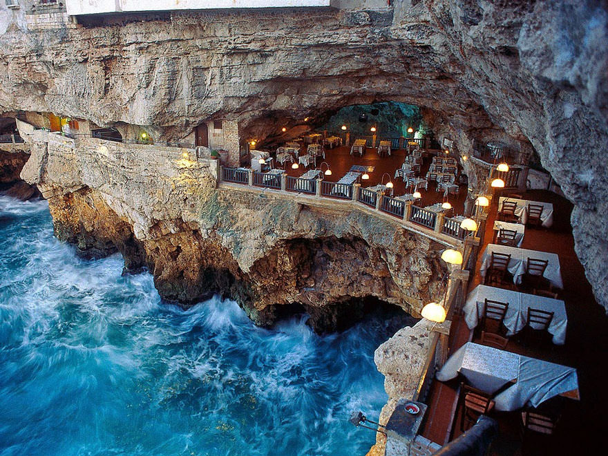 011216-restaurant-in-a-cave-italy-1