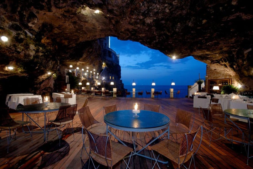 011216-restaurant-in-a-cave-italy-2