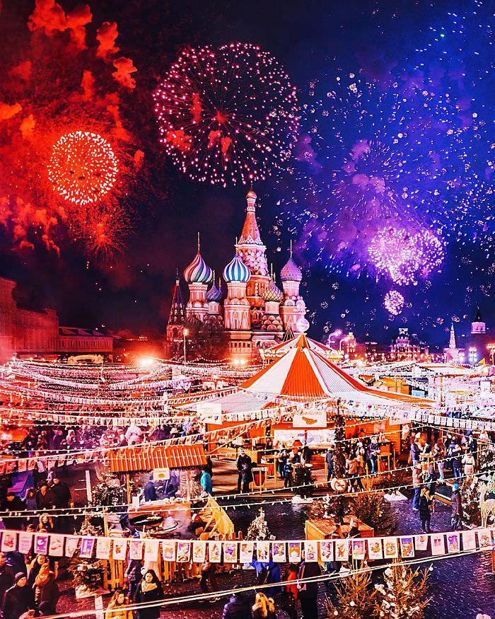 011916-Moscow-City-Looked-Like-Fairytale-Orthodox-Christmas-1