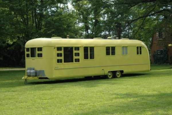 Cette Caravane De 1953 Est Rest E Abandonn E Plus De 60
