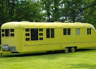 Cette caravane de 1953 est f