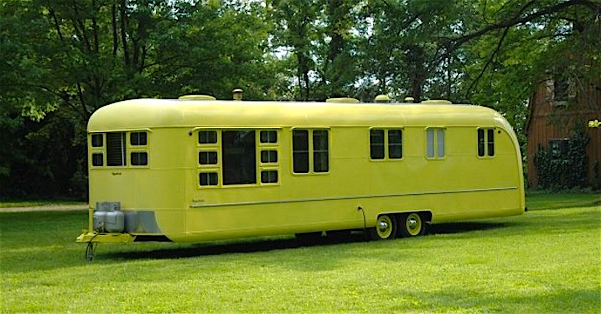 cette caravane de 1953 est rest e abandonn e plus de 60 ans qu ont ils trouv l int rieur. Black Bedroom Furniture Sets. Home Design Ideas