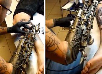 Un tatoueur qui a perdu f