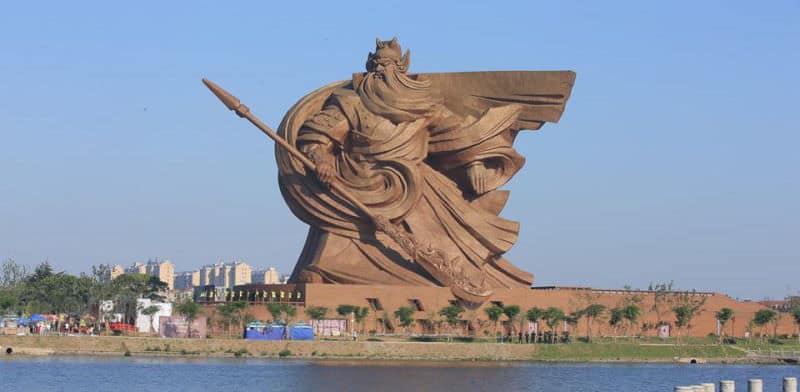 Cette_statue_d'un_guerrier_chinois-01