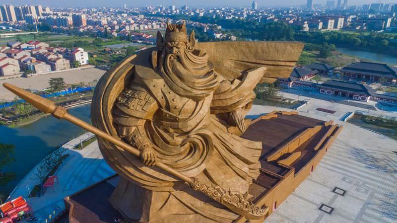 Cette_statue_d'un_guerrier_chinois-02