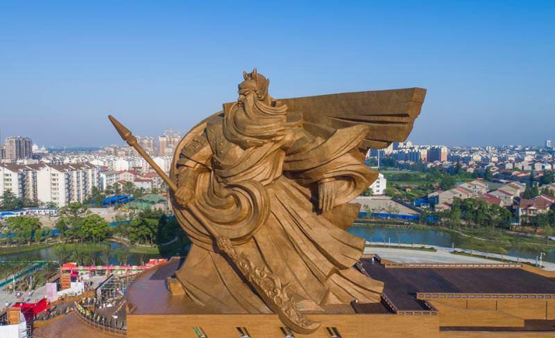 Cette_statue_d'un_guerrier_chinois-03