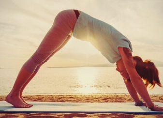 5 postures de yoga qui f