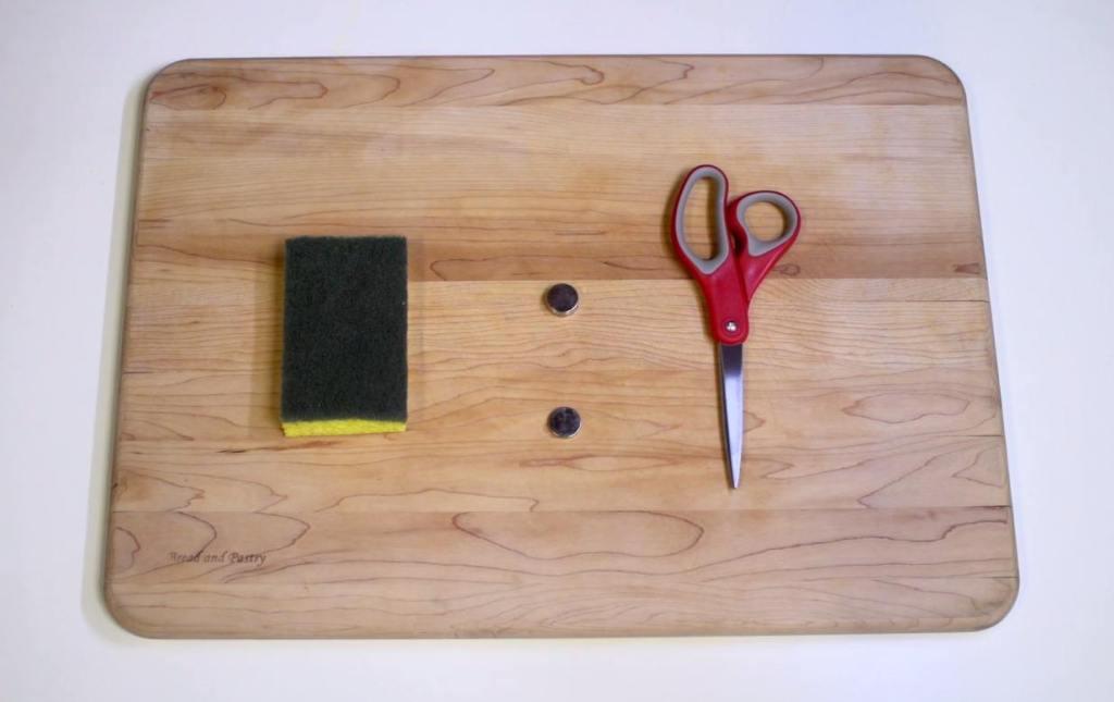 comment utiliser des aimants pour vous aider nettoyer votre vaisselle. Black Bedroom Furniture Sets. Home Design Ideas