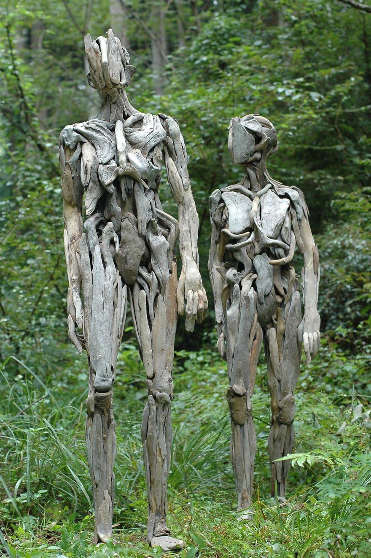 Les troublantes sculptures de bois 01