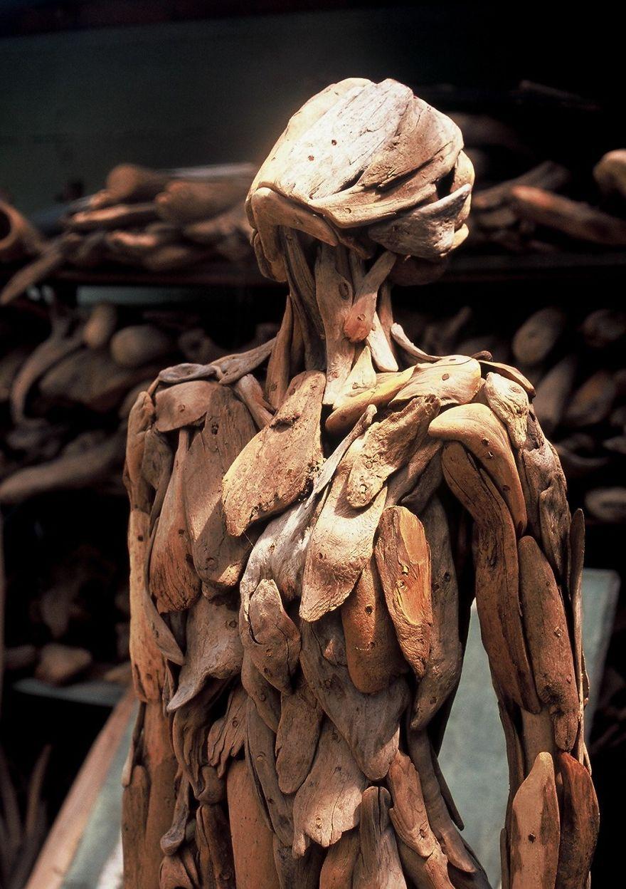 Les troublantes sculptures de bois 02