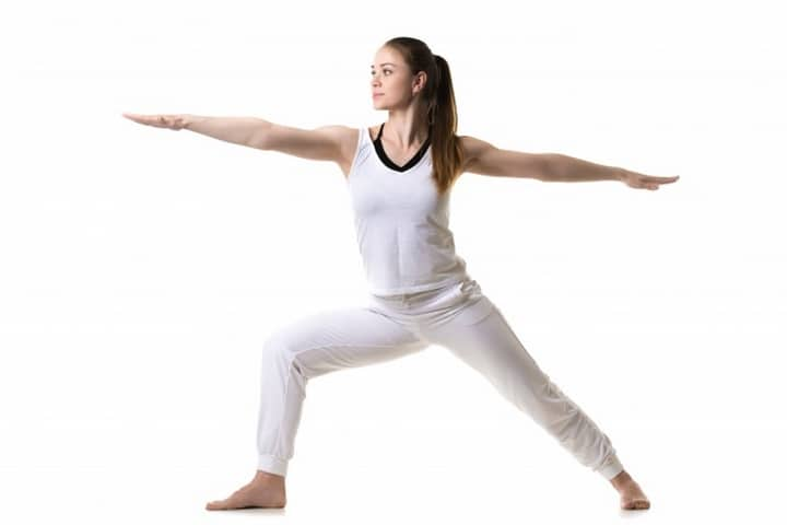 7 postures de yoga tres 01s