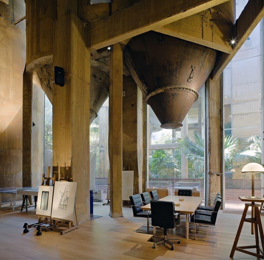 Un architecte transforme une cimenterie 05