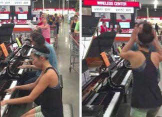 Un vendeur jouant du piano f
